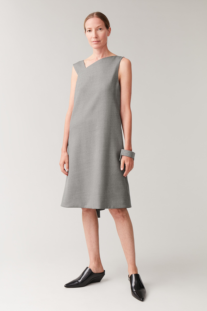 COS default image 2 of 그레이 in 애시메트릭 튜브 드레스