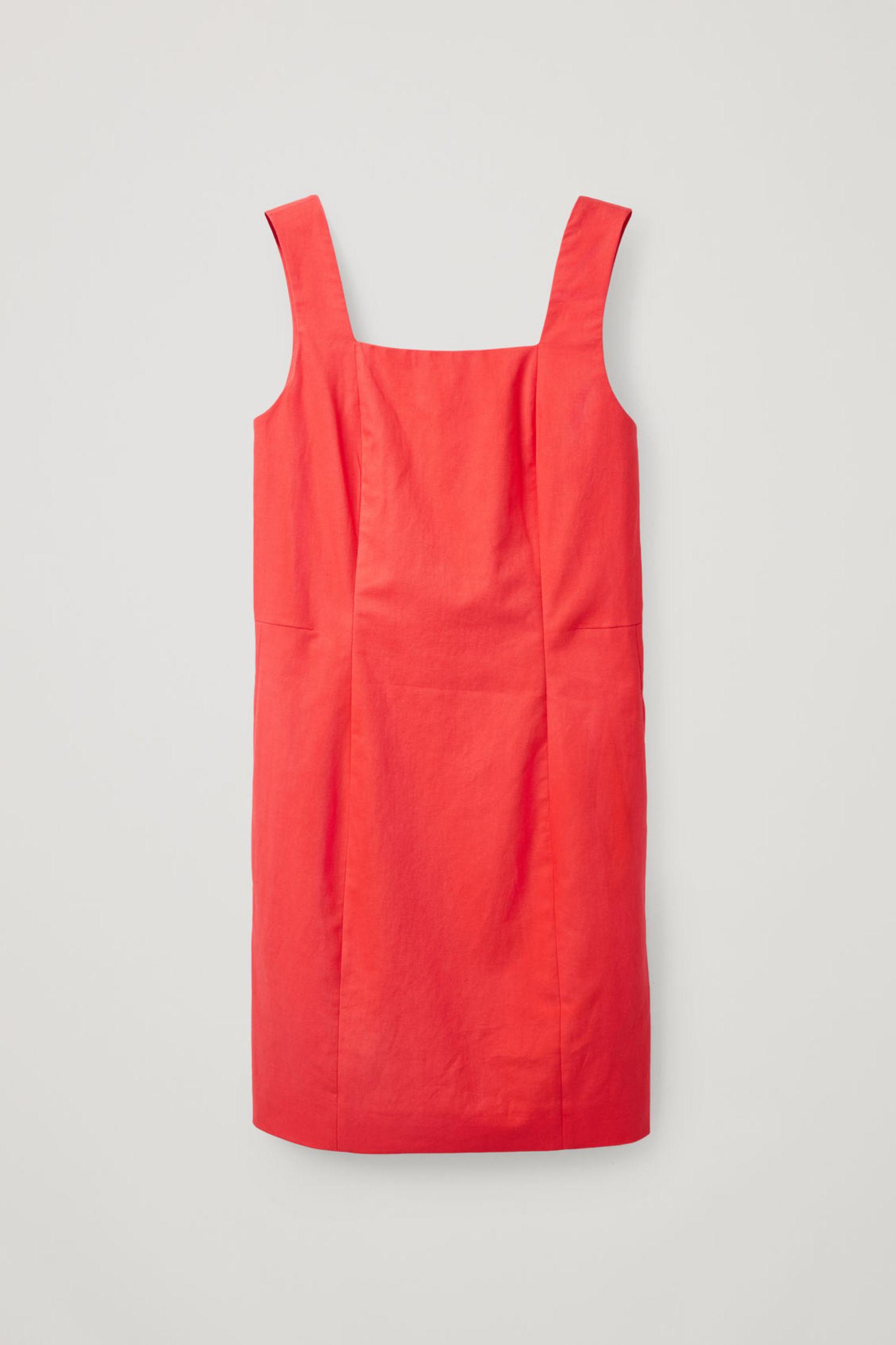 COS 슬림핏 코튼 리넨 드레스의 레드컬러 Product입니다.