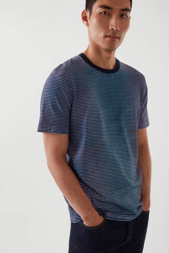 COS default image 4 of  in 릴랙스드 핏 미드웨이트 티셔츠
