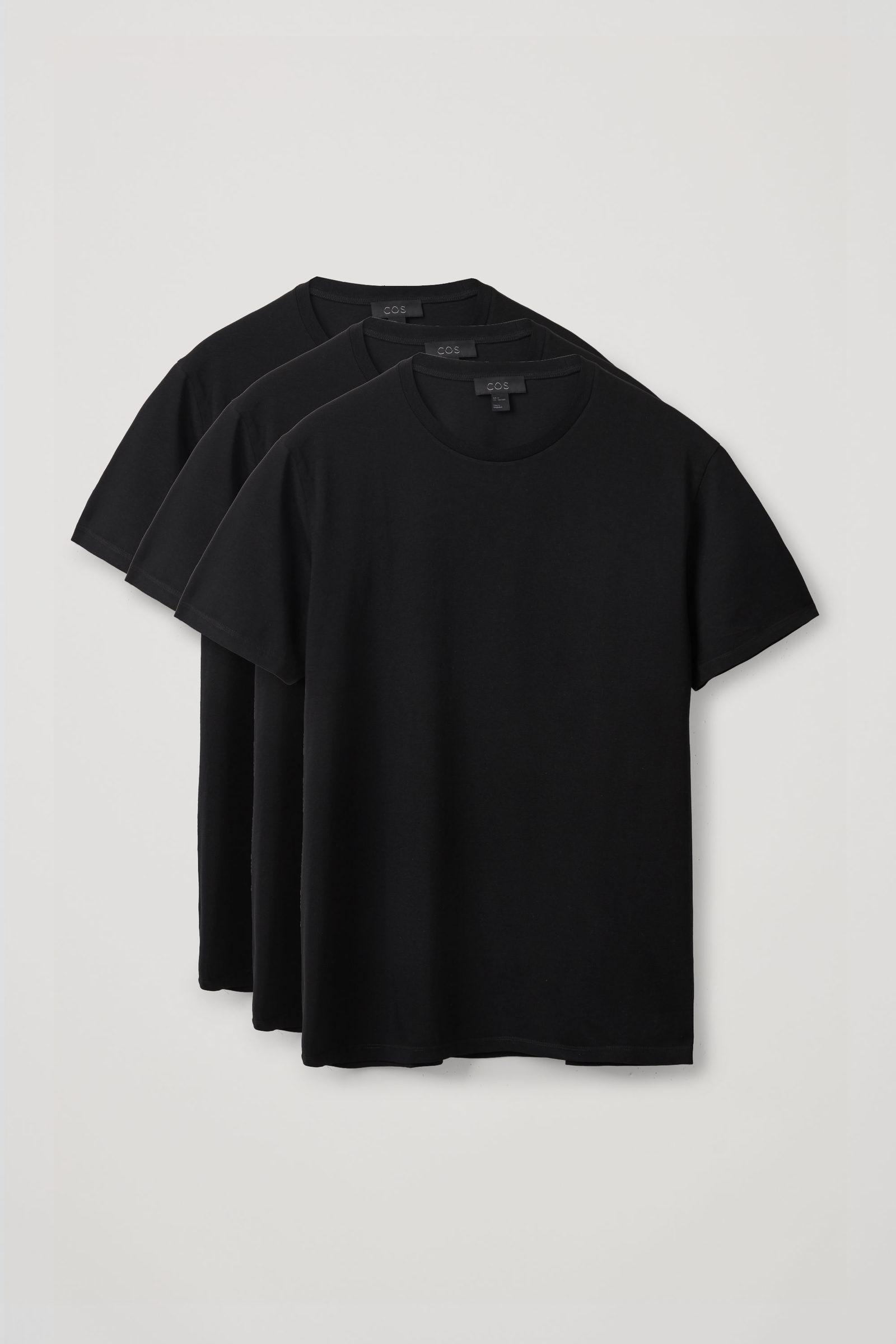 COS 레귤러 핏 티셔츠 3팩의 블랙컬러 Product입니다.
