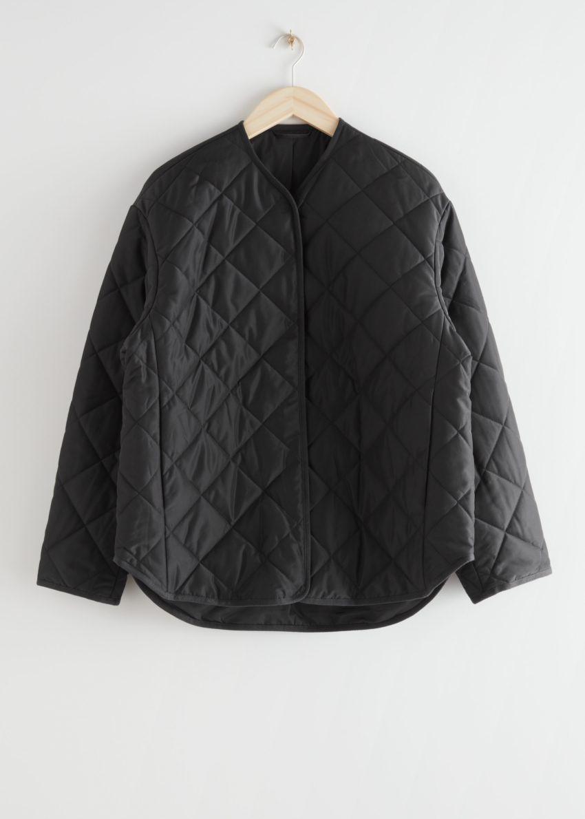앤아더스토리즈 오버사이즈 퀼트 재킷 의 블랙컬러 Product입니다.
