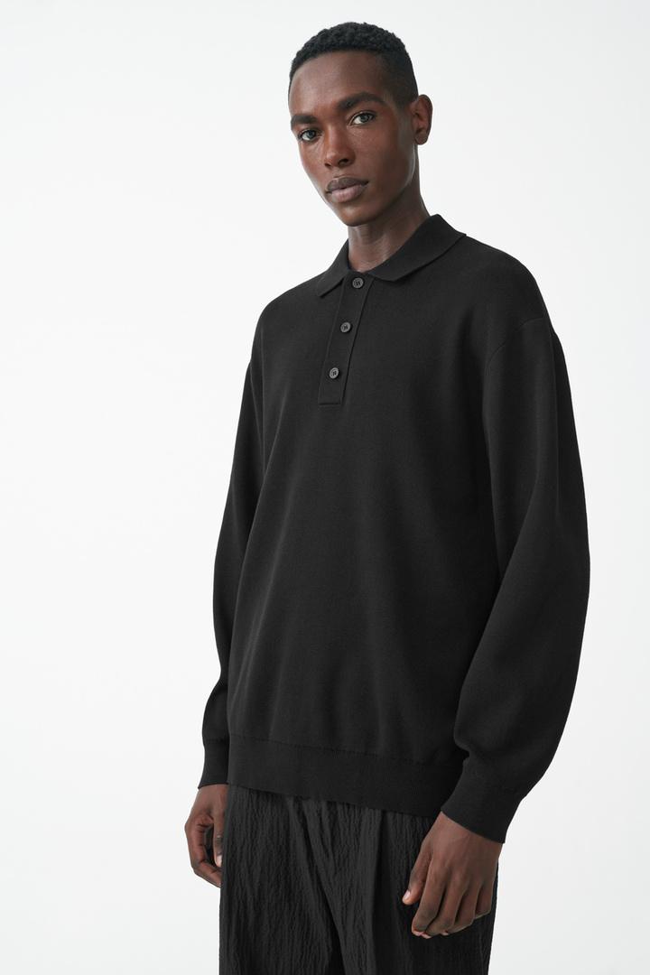 COS default image 2 of 블랙 in 니티드 롱 슬리브 폴로 셔츠
