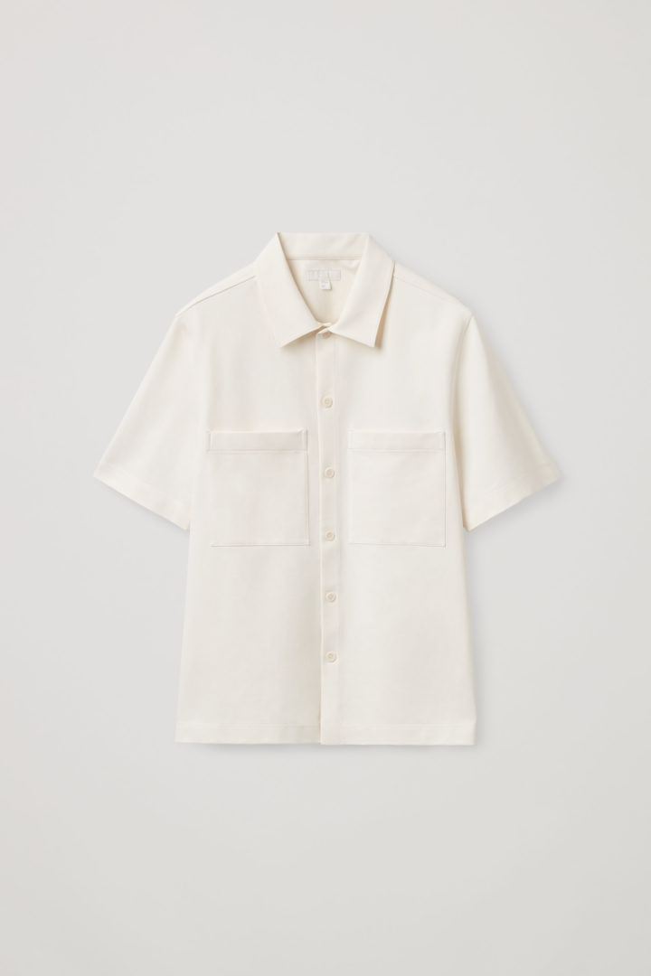 COS hover image 3 of 화이트 in 오버사이즈 핏 쇼트 슬리브 셔츠