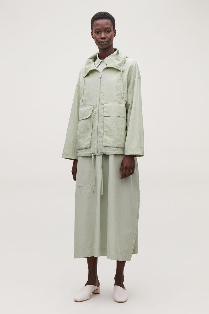 COS default image 1 of 그린 in 라이트웨이트 캐주얼 재킷