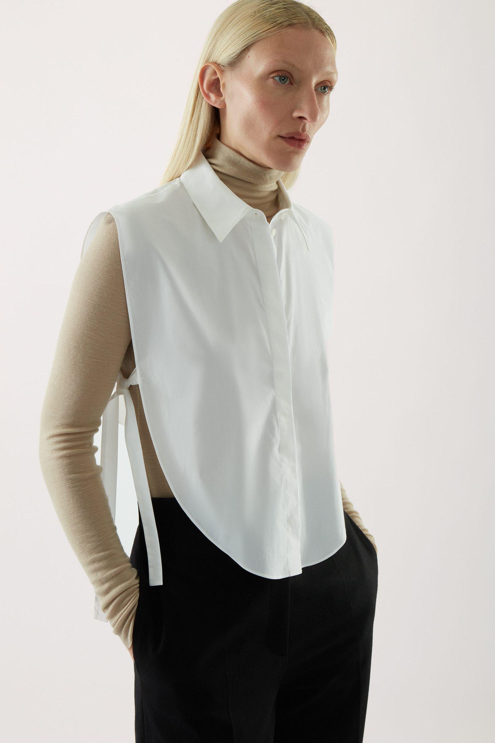 COS 써클 컷 셔츠 빕의 화이트컬러 ECOMLook입니다.