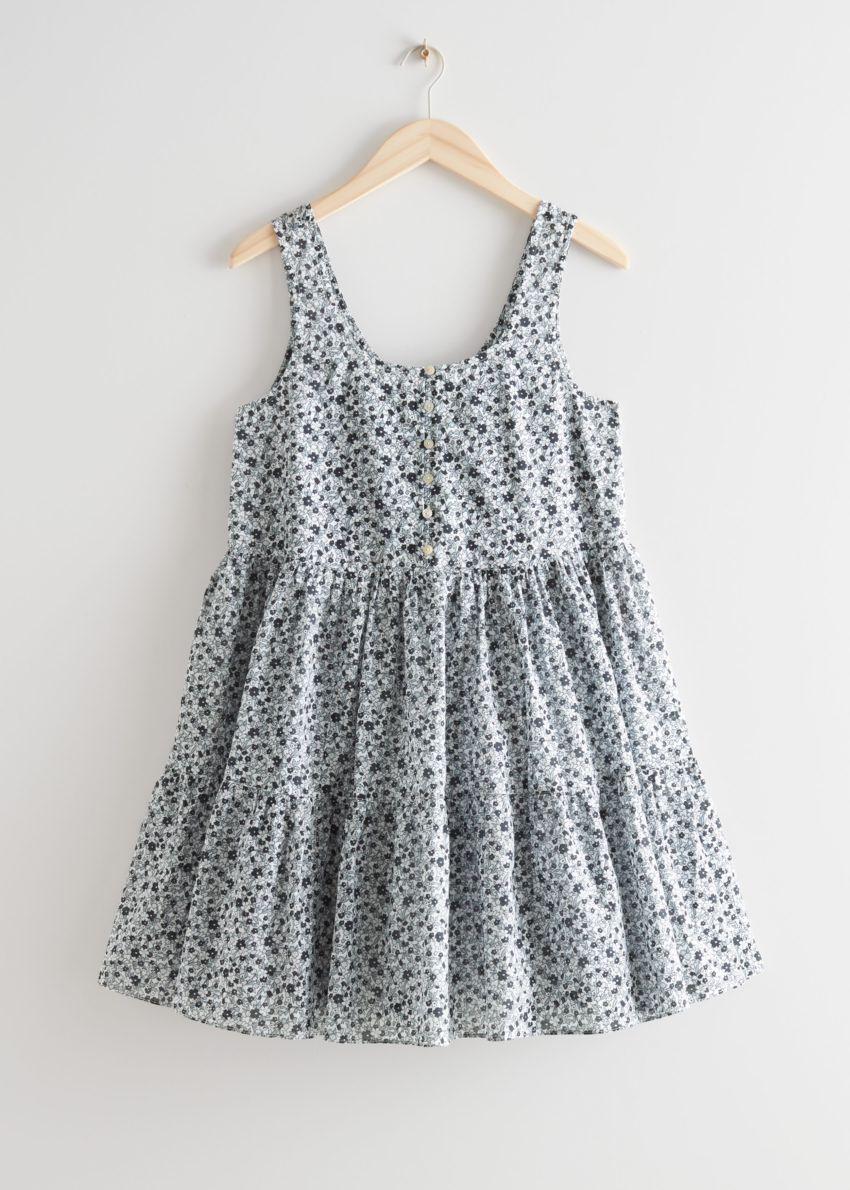 앤아더스토리즈 프린트 티어드 미니 드레스의 블루 프린트컬러 Product입니다.