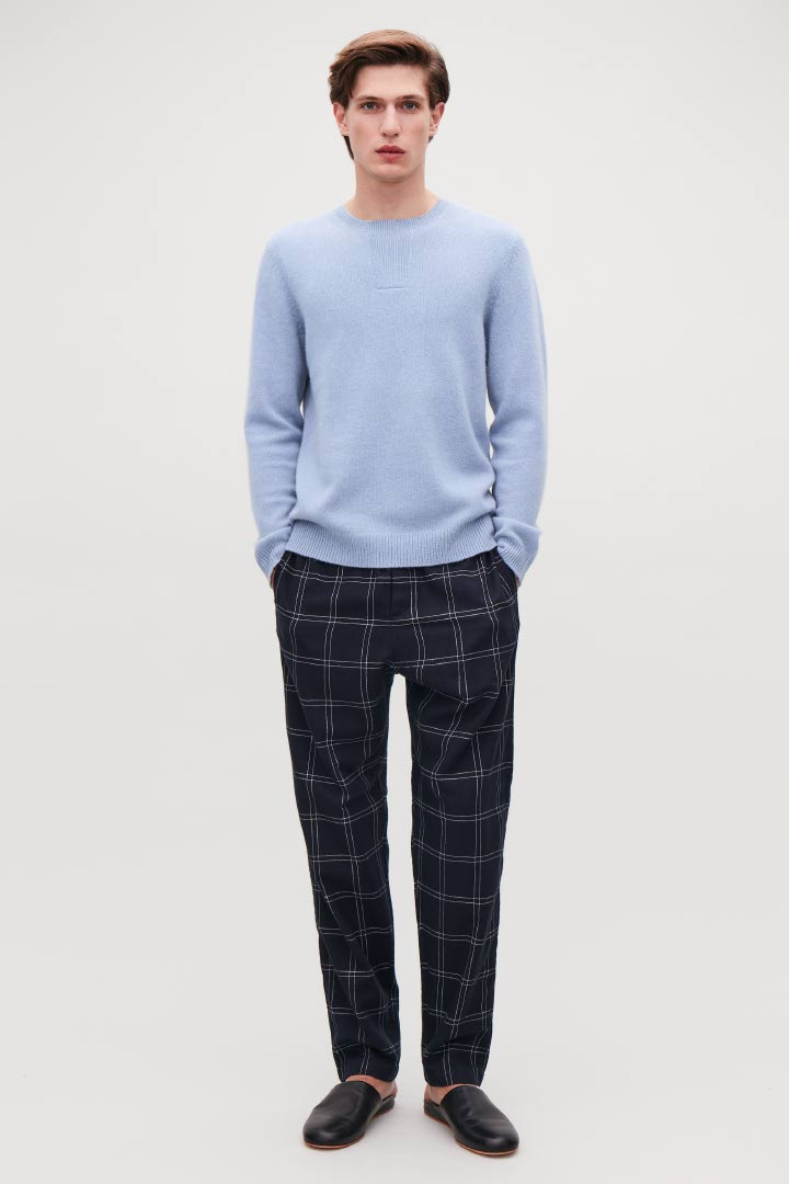 COS hover image 10 of 블루 in 스티치 디테일 캐시미어 스웨터