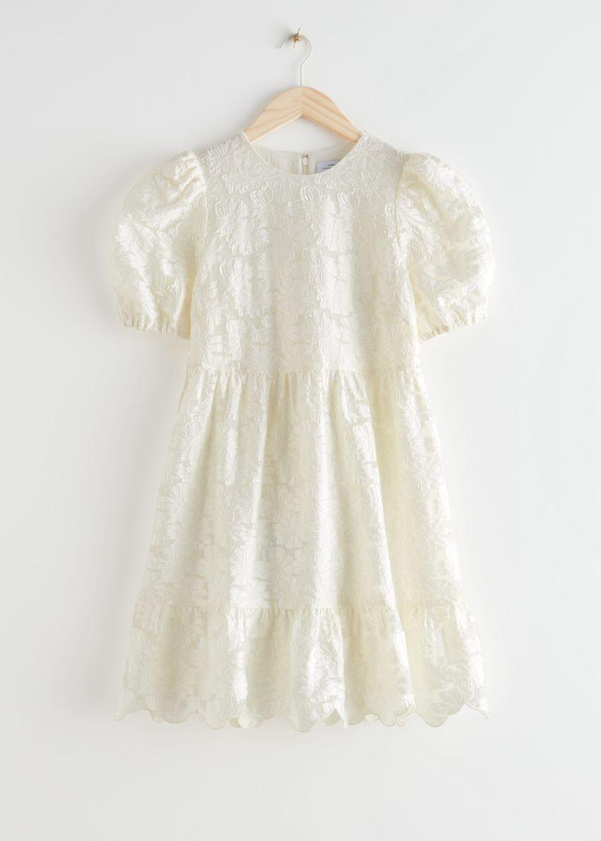 앤아더스토리즈 퍼프 슬리브 자카드 미니 드레스의 화이트컬러 Product입니다.