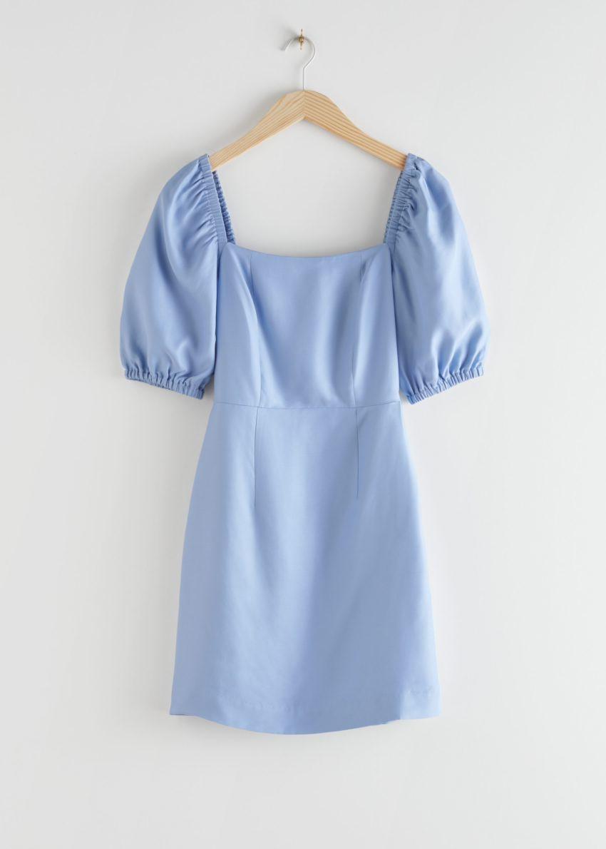 앤아더스토리즈 스퀘어 네크라인 미니 드레스의 라이트 블루컬러 Product입니다.