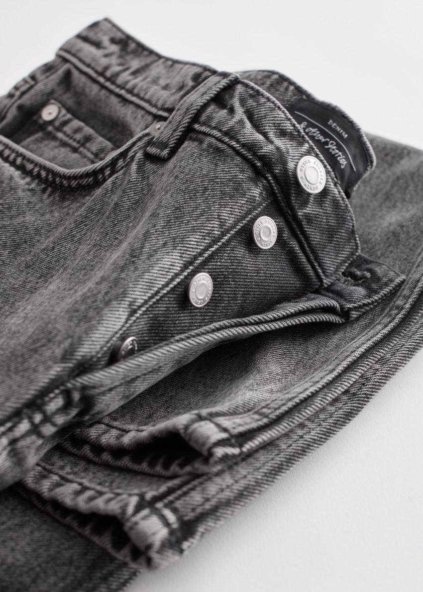 앤아더스토리즈 키퍼 컷 크롭 진의 그레이컬러 Detail입니다.