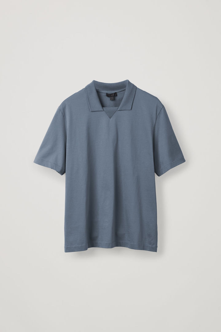 COS 저지 폴로 셔츠의 그레이컬러 상품컷입니다.