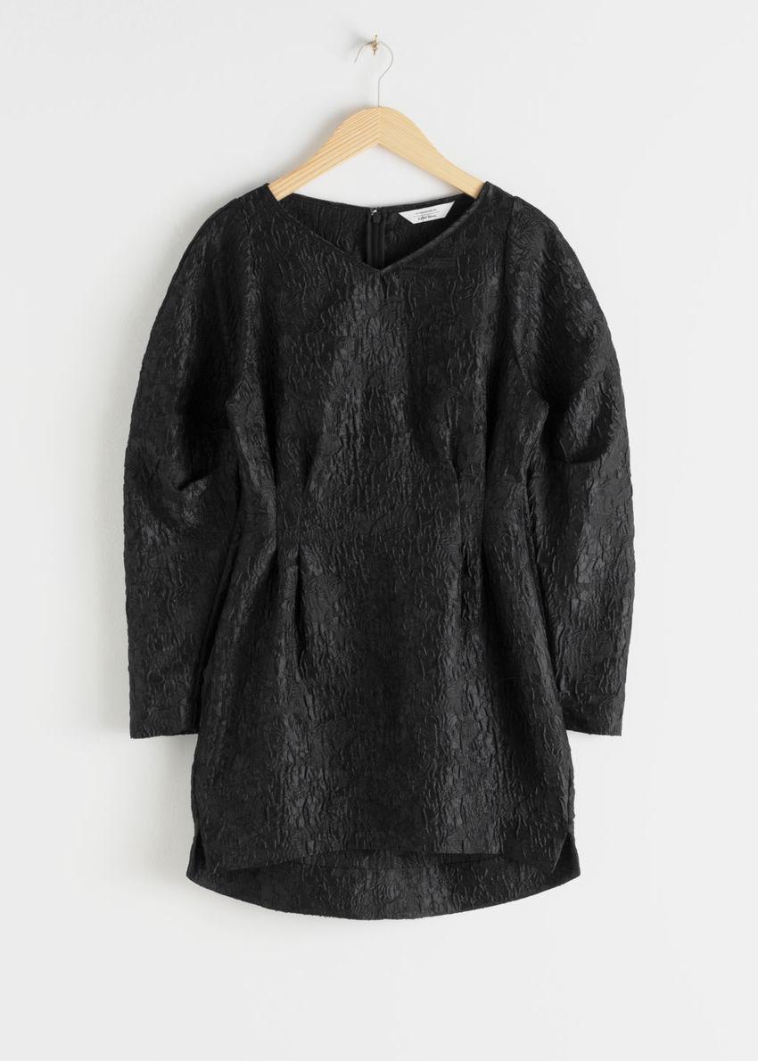 앤아더스토리즈 스트럭처드 플로럴 자카드 미니 드레스의 블랙컬러 Product입니다.