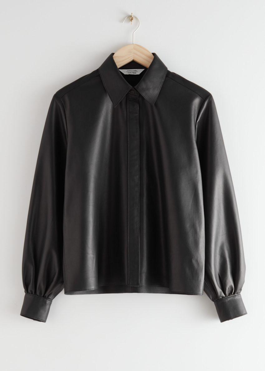 앤아더스토리즈 스트레이트 레더 셔츠의 블랙컬러 Product입니다.