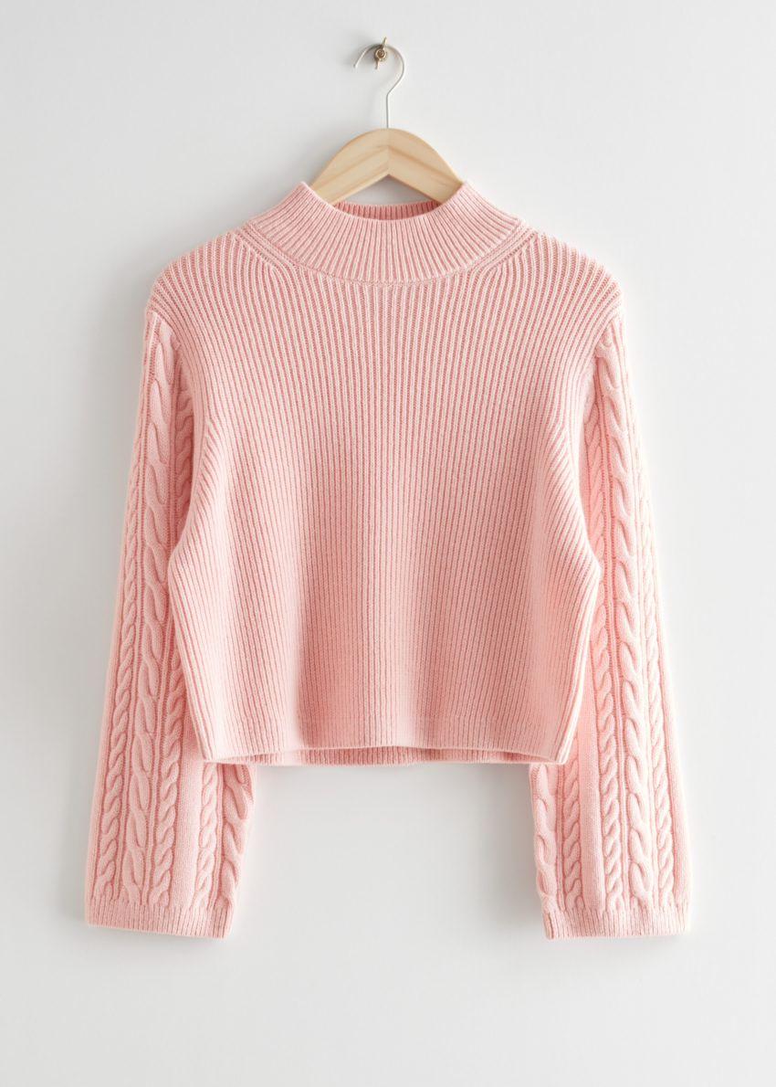 앤아더스토리즈 박시 케이블 니트 스웨터의 핑크컬러 Product입니다.