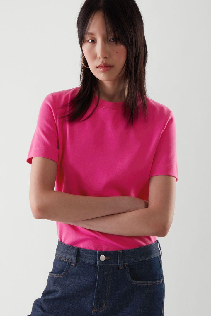COS default image 10 of 핑크 in 슬림 핏 티셔츠