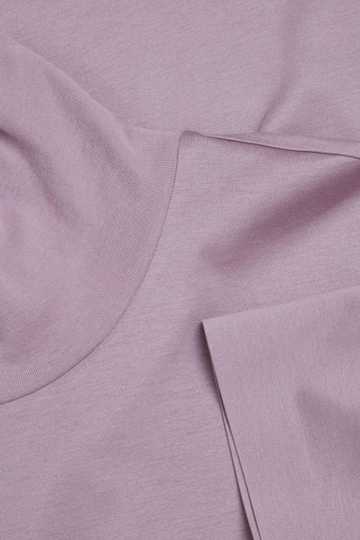 COS 코튼 롤넥 티셔츠 드레스의 라이트 퍼플컬러 Detail입니다.