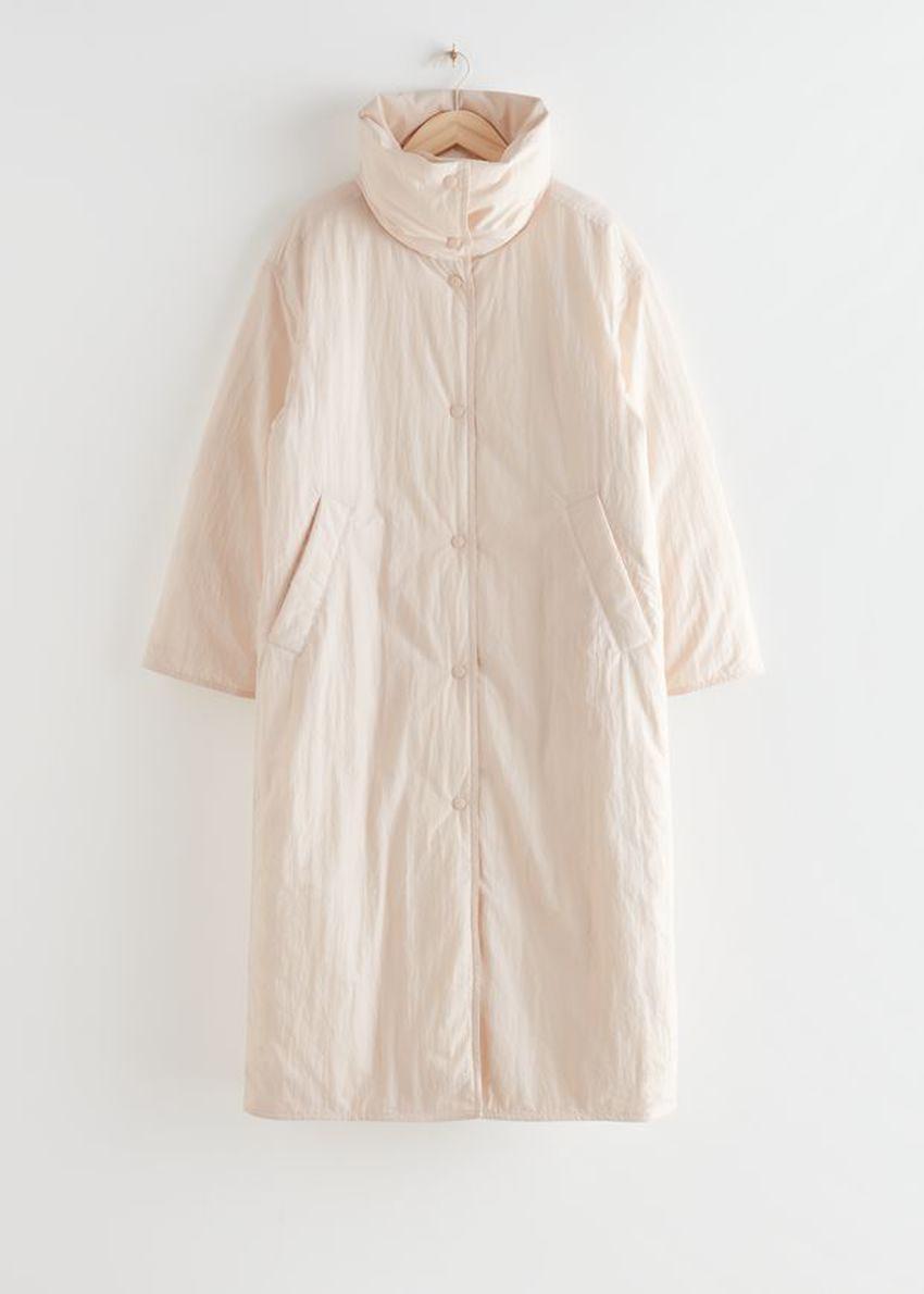 앤아더스토리즈 오버사이즈 박시 롱 푸퍼 재킷의 화이트컬러 Product입니다.
