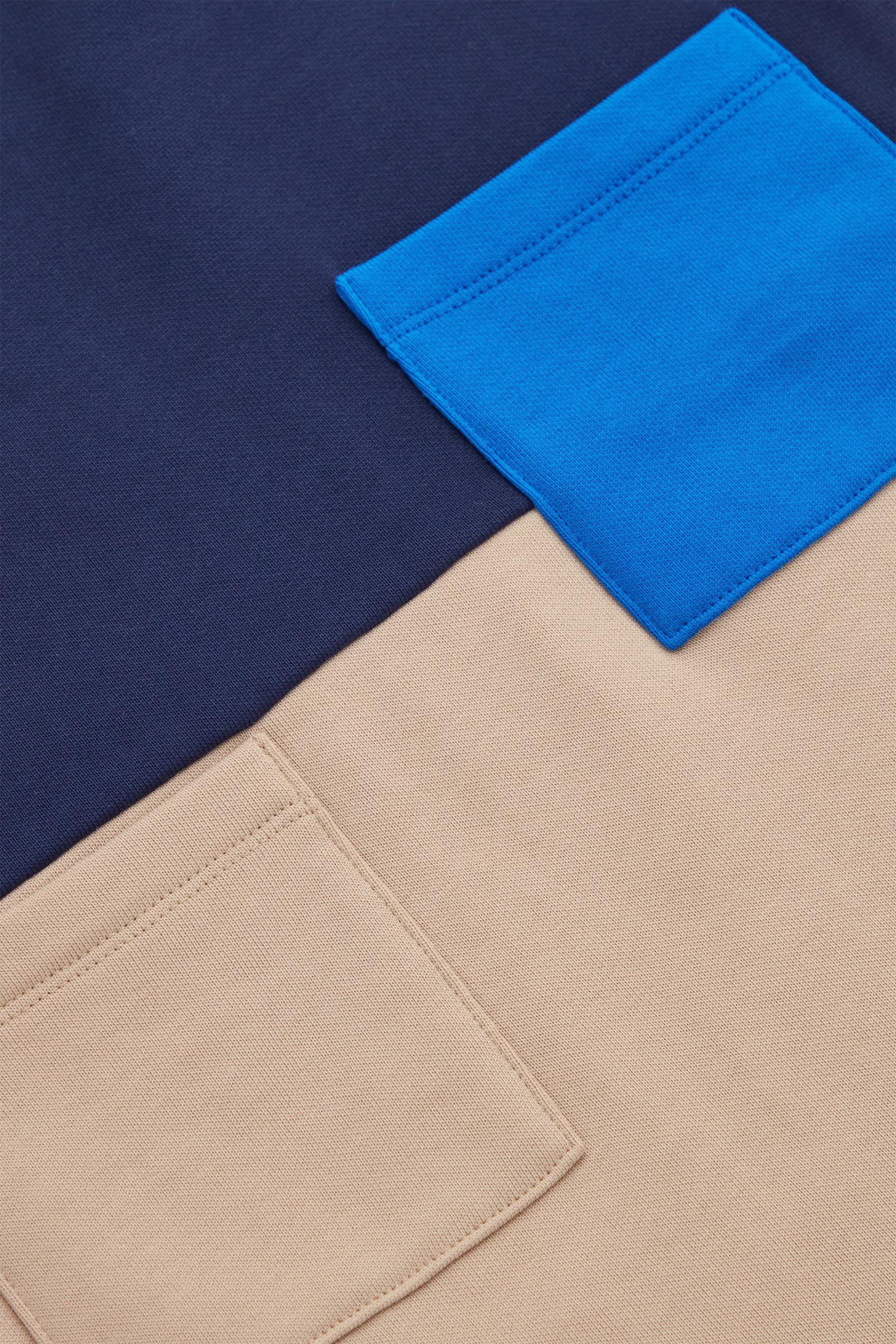 COS 오가닉 코튼 컬러 블록 스웻셔츠 드레스의 블루컬러 Detail입니다.