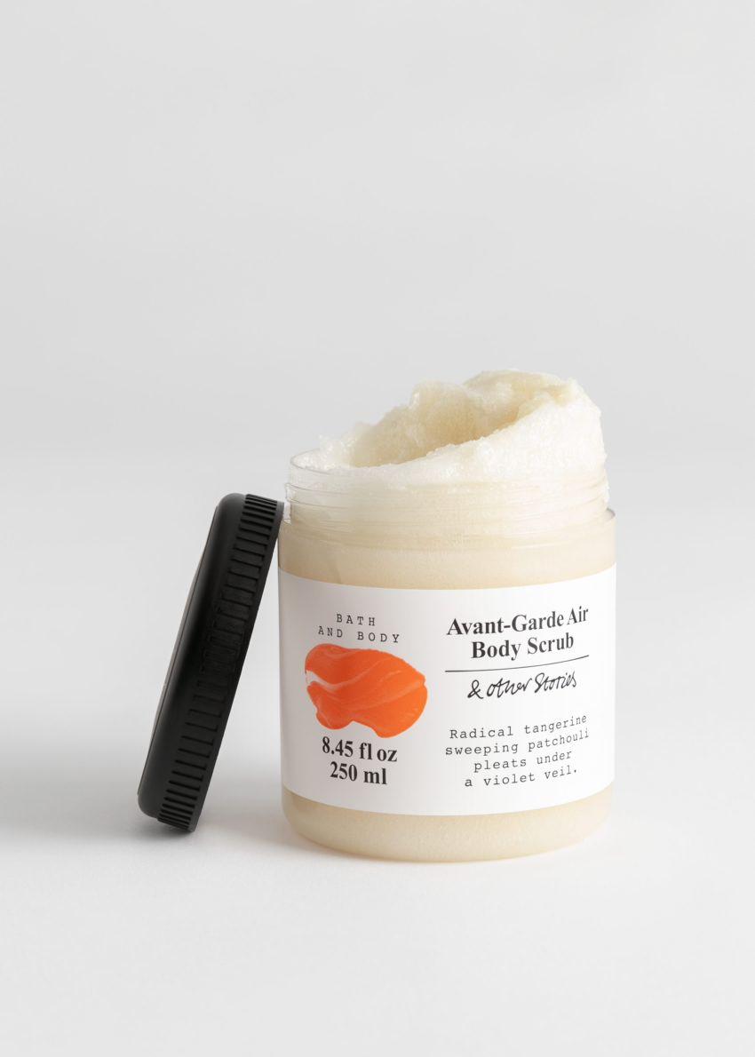 앤아더스토리즈 아방가르드 에어 바디 스크럽의 아방가르드 에어컬러 Product입니다.