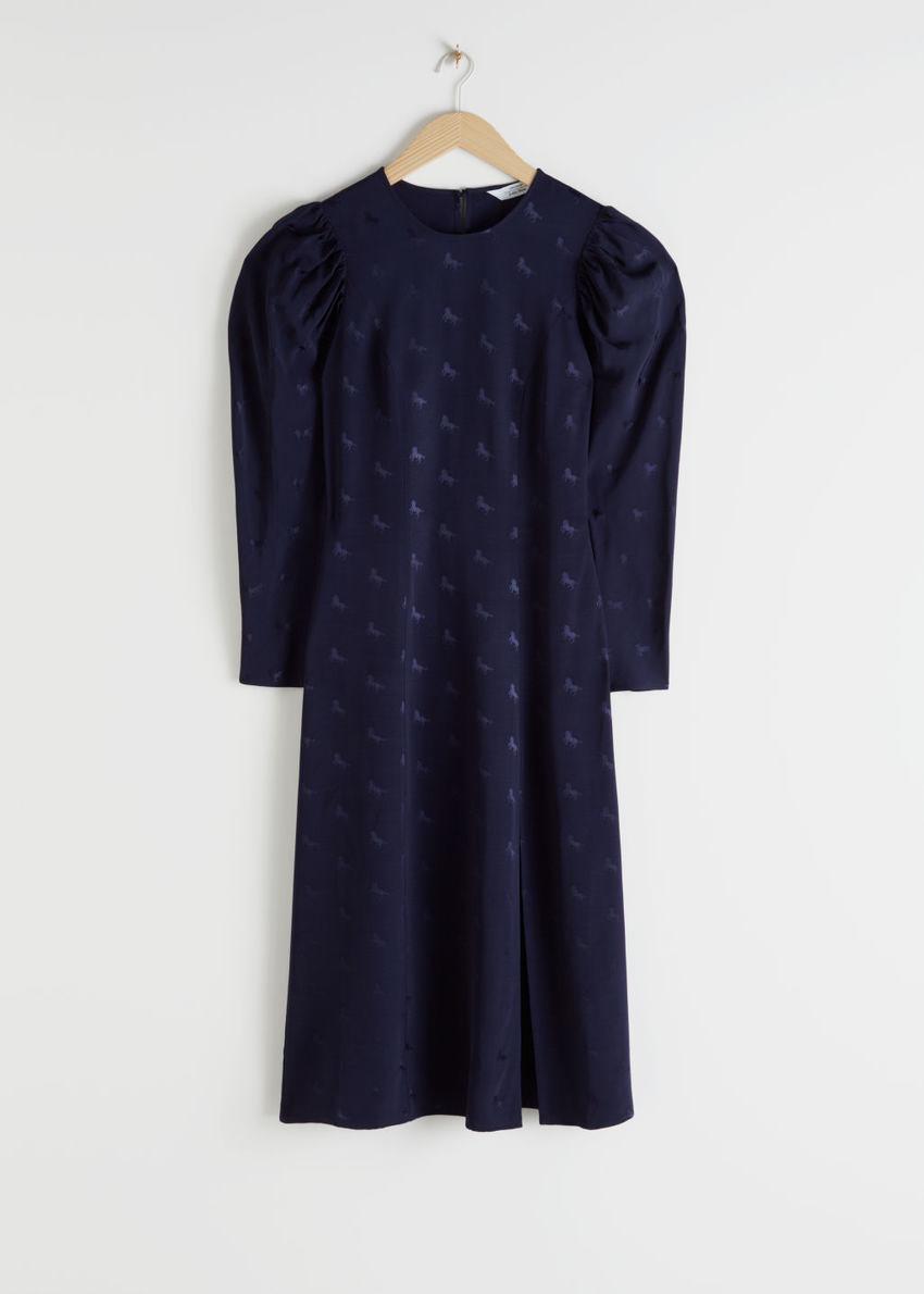 앤아더스토리즈 호스 자카드 미디 드레스의 블루컬러 Product입니다.