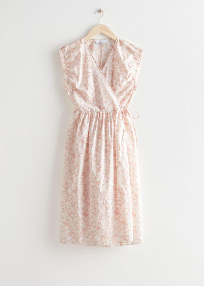앤아더스토리즈 프린트 랩 미디 드레스의 화이트 플로럴컬러 Product입니다.