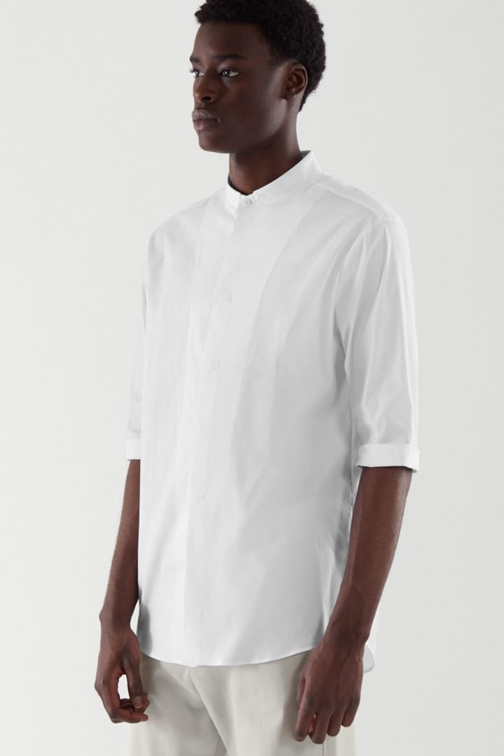 COS default image 1 of 화이트 in 슬림 칼라리스 셔츠