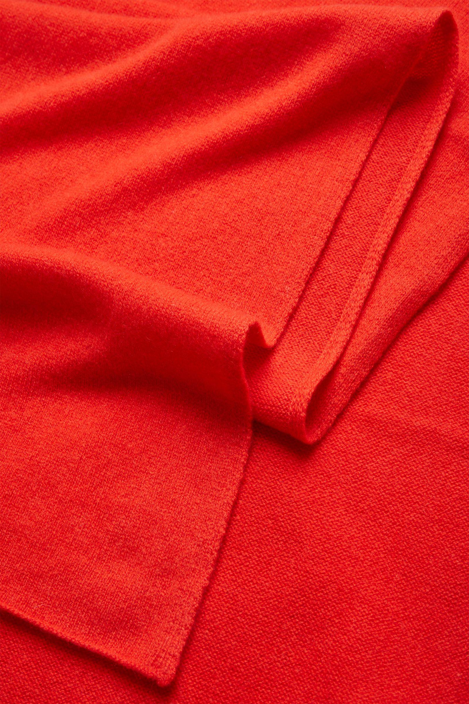 COS 유니섹스 니티드 캐시미어 스카프의 오렌지컬러 Detail입니다.