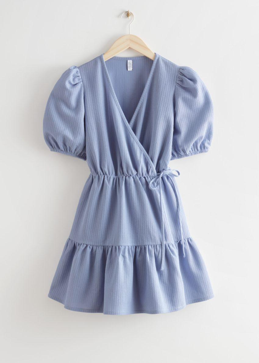 앤아더스토리즈 퍼프 슬리브 미니 랩 드레스의 블루컬러 Product입니다.