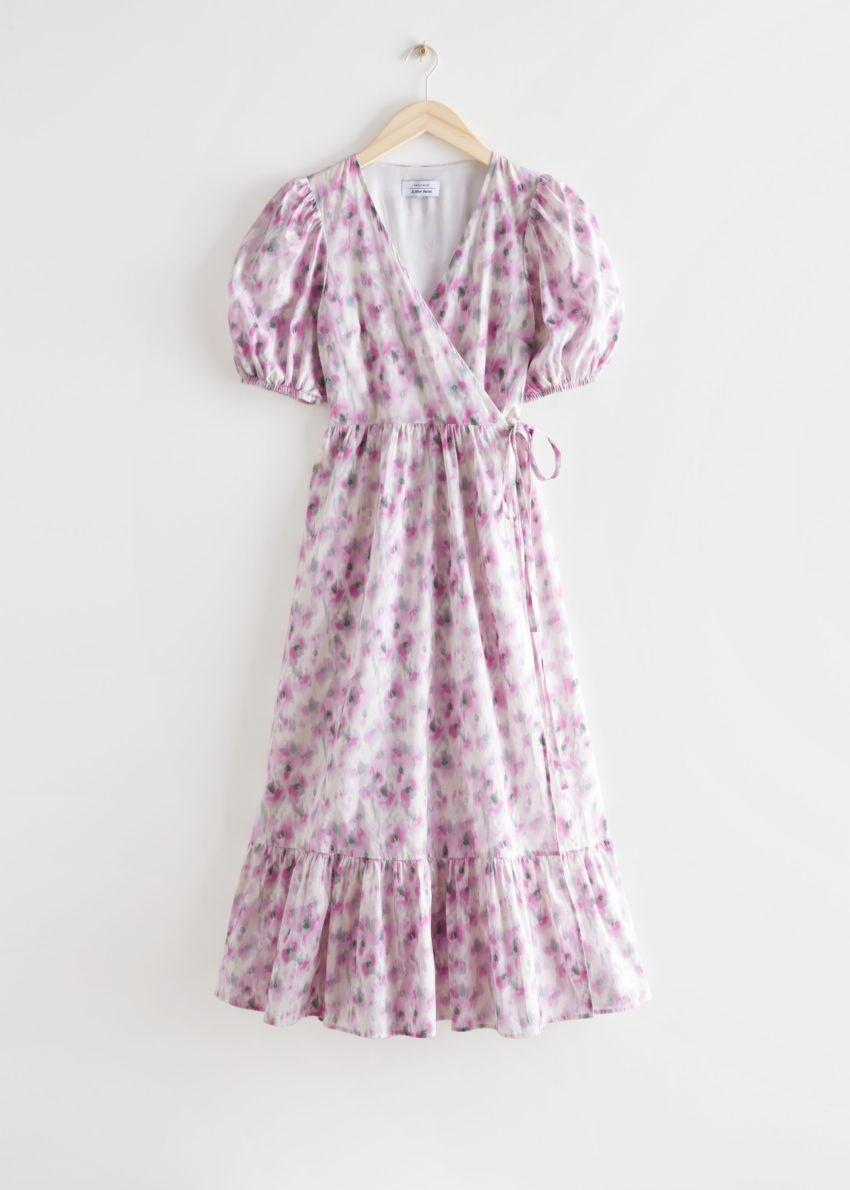 앤아더스토리즈 퍼프 슬리브 미디 랩 드레스의 블러리 플로럴컬러 Product입니다.