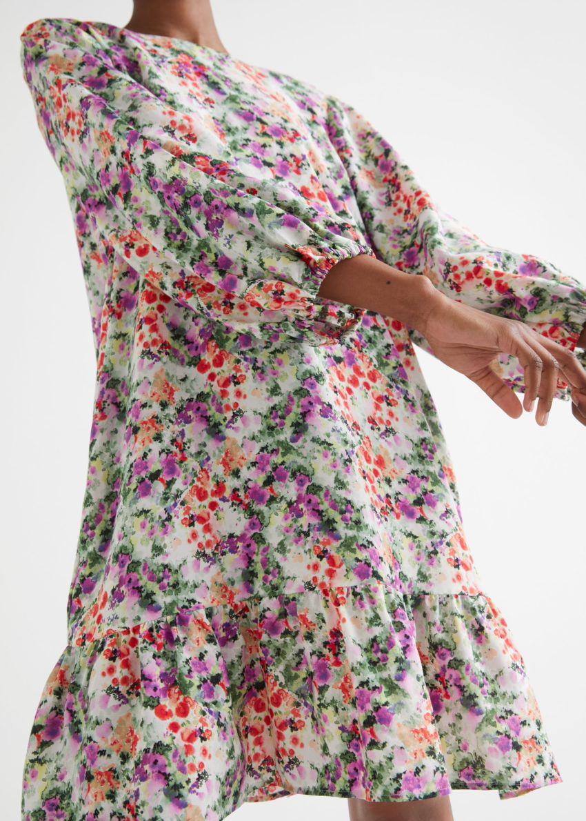 앤아더스토리즈 릴렉스드 A 라인 미니 드레스의 플로럴 프린트컬러 ECOMLook입니다.