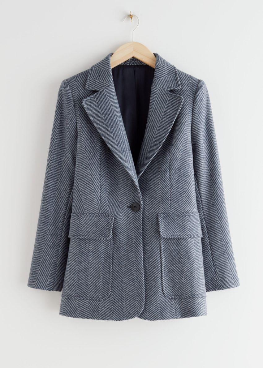 앤아더스토리즈 싱글 버튼 패치 포켓 재킷의 블루컬러 Product입니다.
