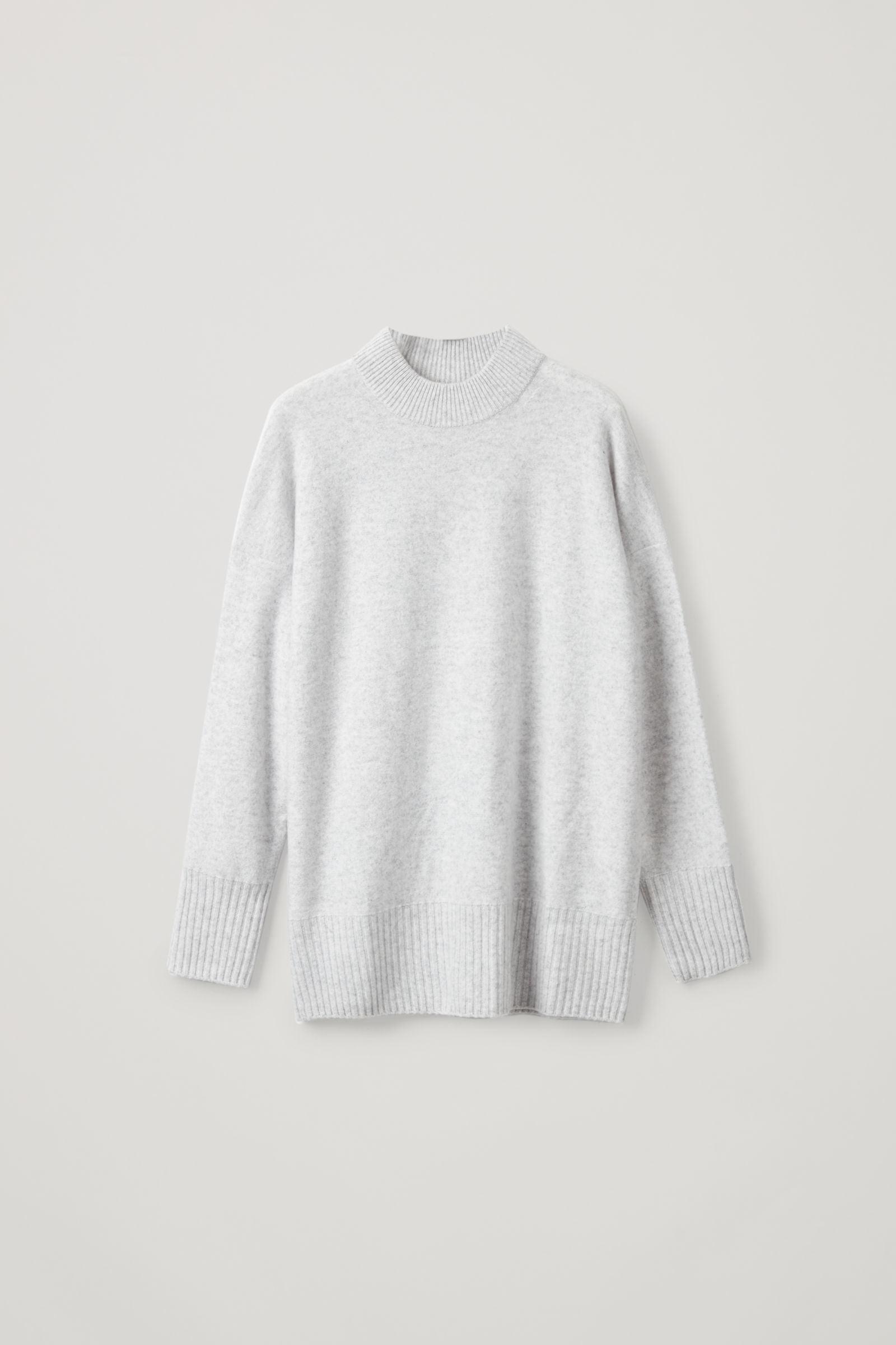 COS 청키 리브 캐시미어 스웨터의 그레이 멜란지컬러 Product입니다.