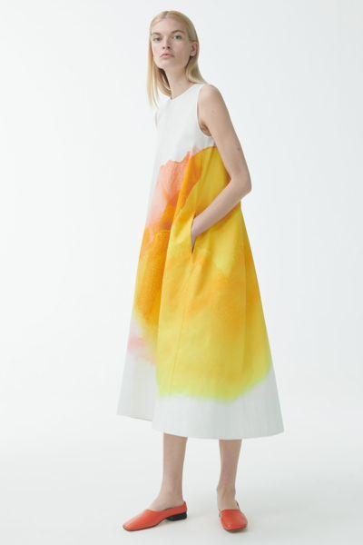 COS default image 3 of 화이트 in 오가닉 코튼 워터컬러 프린트 맥시 드레스