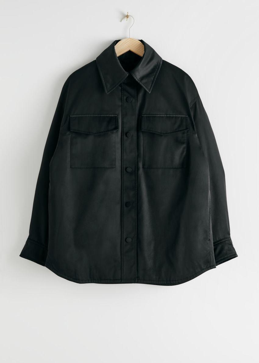 앤아더스토리즈 오버사이즈 패디드 테크니컬 재킷의 블랙컬러 Product입니다.