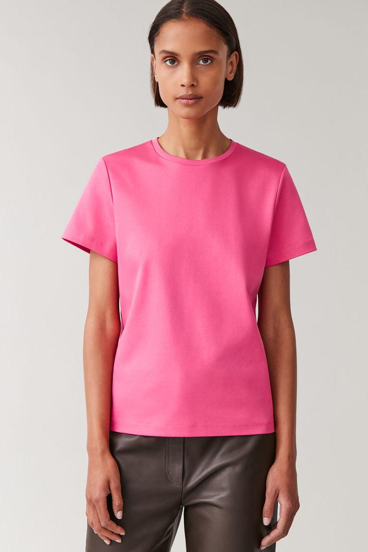 COS default image 1 of 핑크 in 슬림 오가닉 코튼 티셔츠