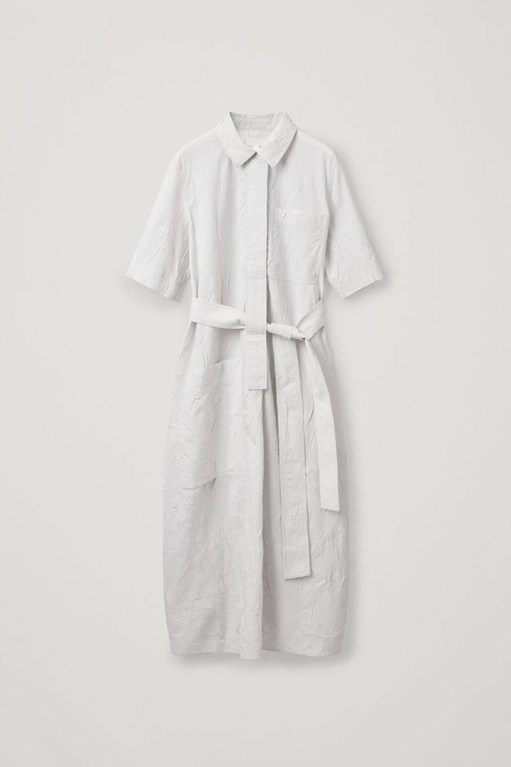 COS hover image 8 of 화이트 in 핀스트라이프 타이 벨트 셔츠 드레스