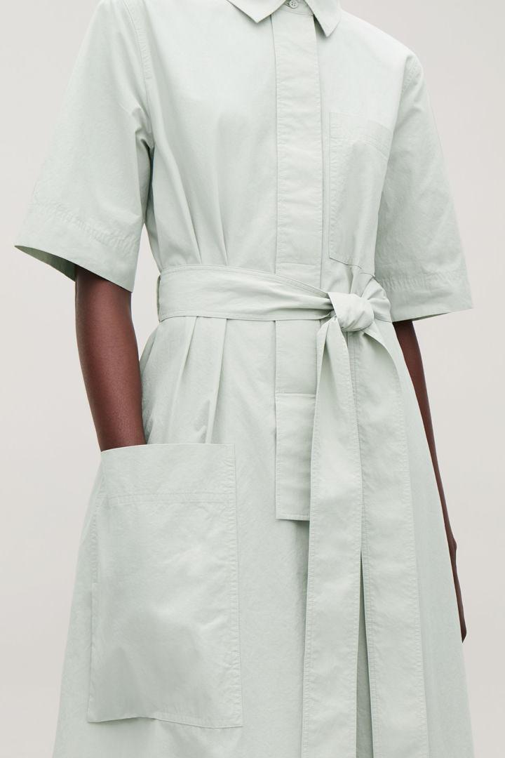 COS default image 7 of 그린 in 롱 타이 벨트 셔츠 드레스