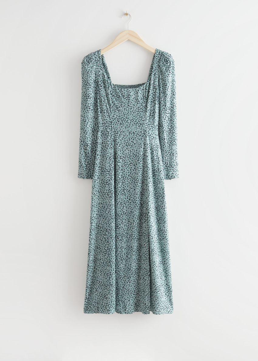 앤아더스토리즈 스쿠프 넥 퍼프 숄더 미디 드레스의 그린 프린트컬러 Product입니다.