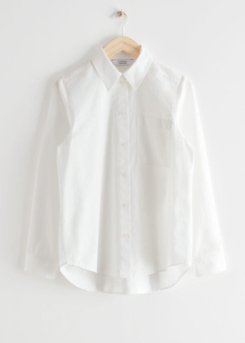 앤아더스토리즈 클래식 코튼 셔츠의 화이트컬러 Product입니다.