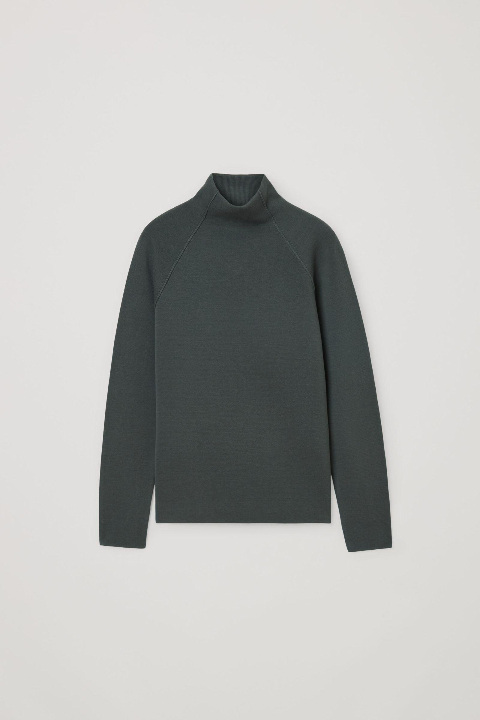 COS 폴로 넥 오가닉 코튼 스웨터의 그레이컬러 Product입니다.