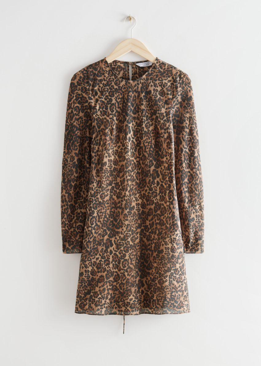 앤아더스토리즈 프린트 플로티 A 라인 미니 드레스의 치타컬러 Product입니다.