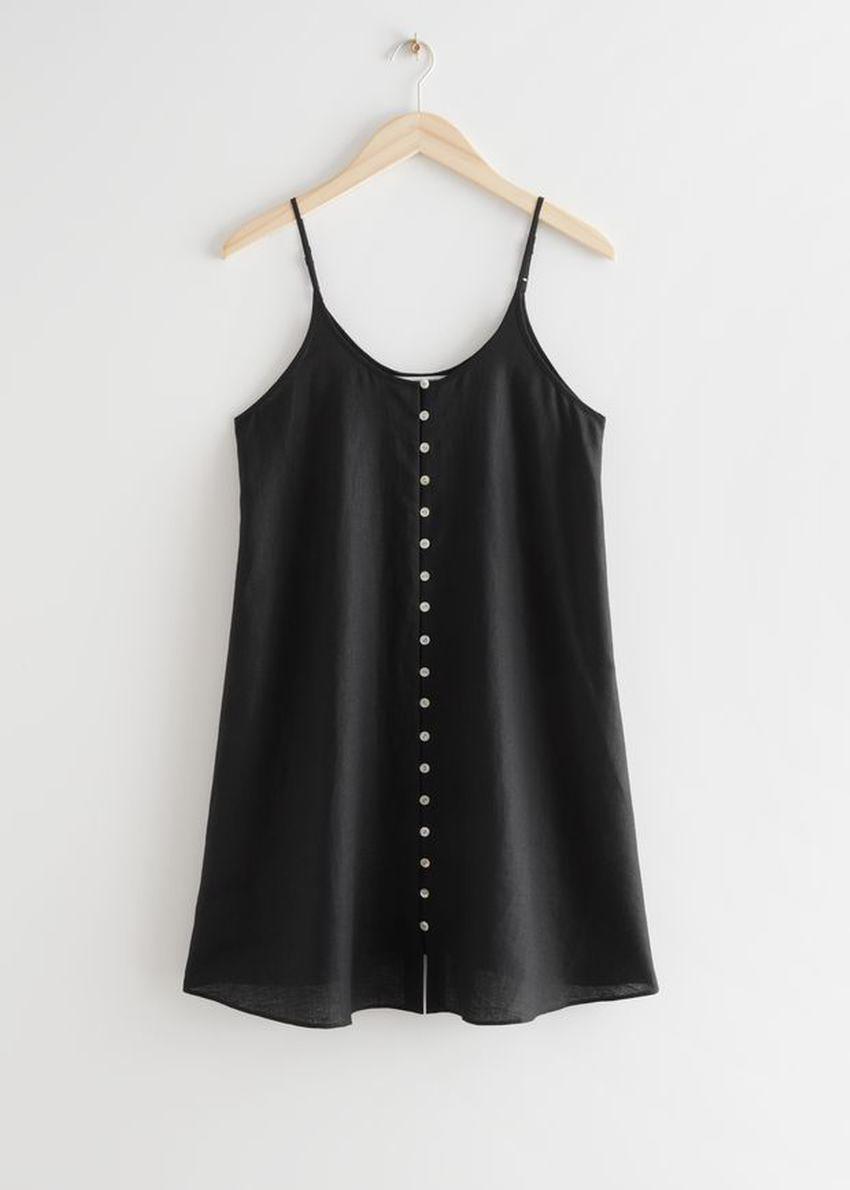 앤아더스토리즈 버튼 리넨 미니 드레스의 블랙컬러 Product입니다.