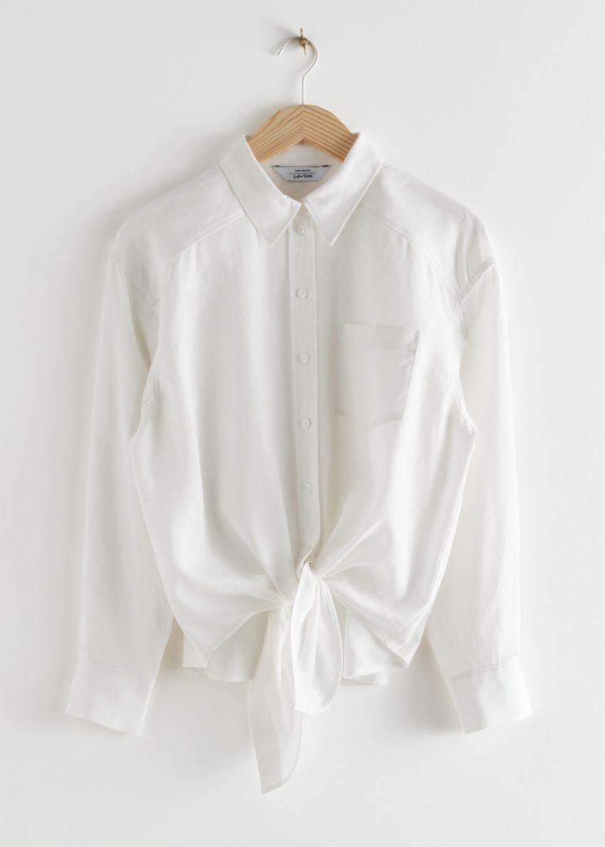 앤아더스토리즈 오버사이즈 매듭 셔츠의 화이트컬러 Product입니다.