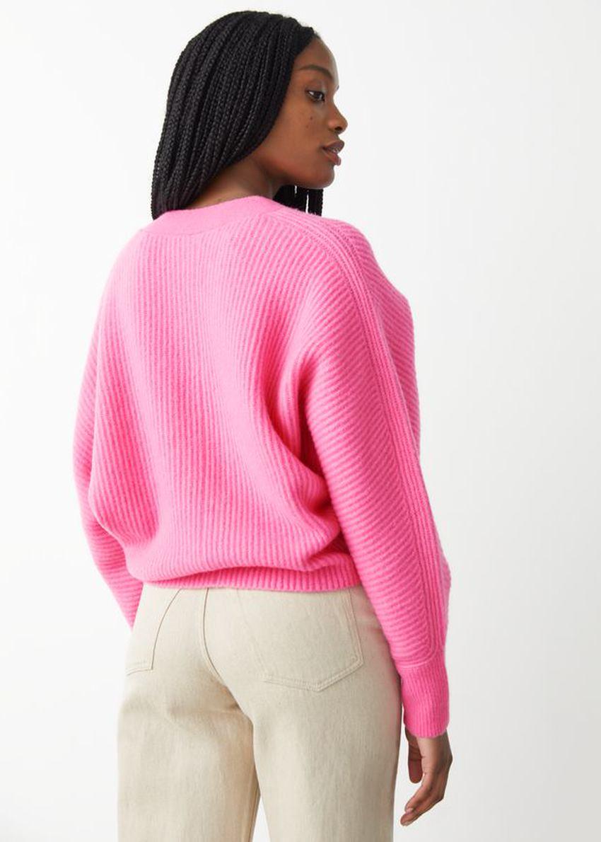 앤아더스토리즈 볼류미너스 립 니트 가디건의 핑크컬러 ECOMLook입니다.