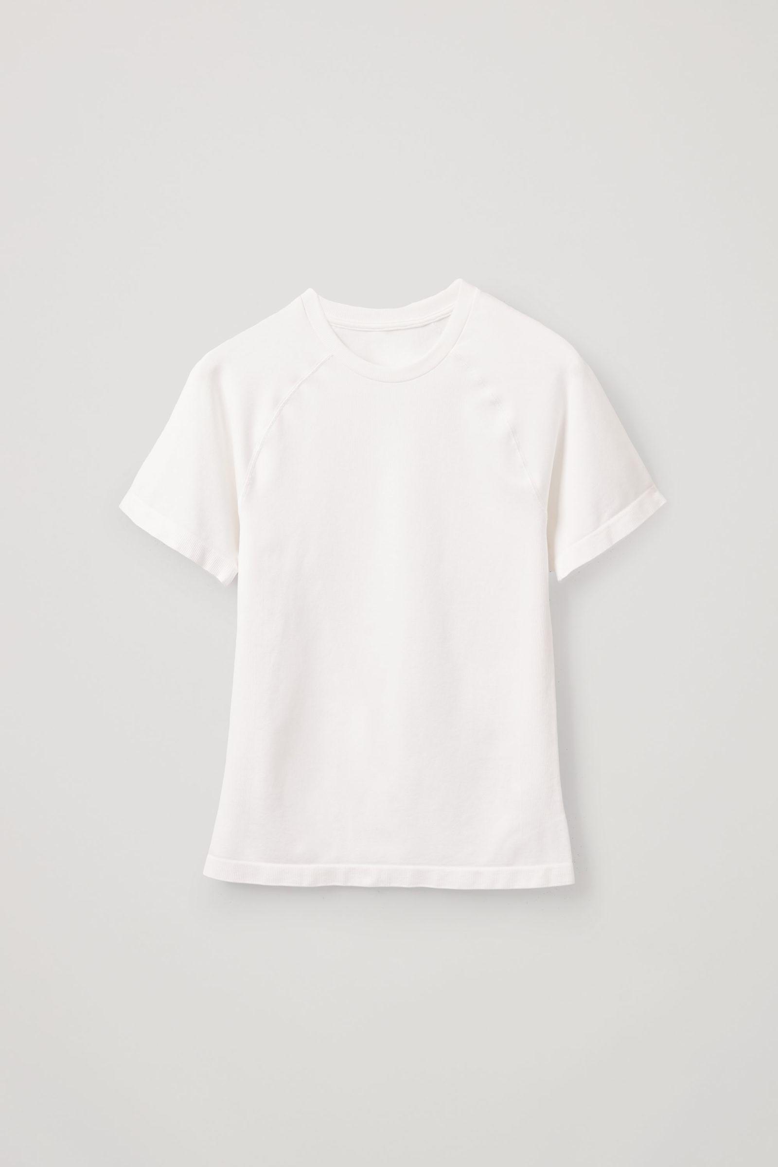 COS 슬림핏 심리스 티셔츠의 화이트컬러 Product입니다.