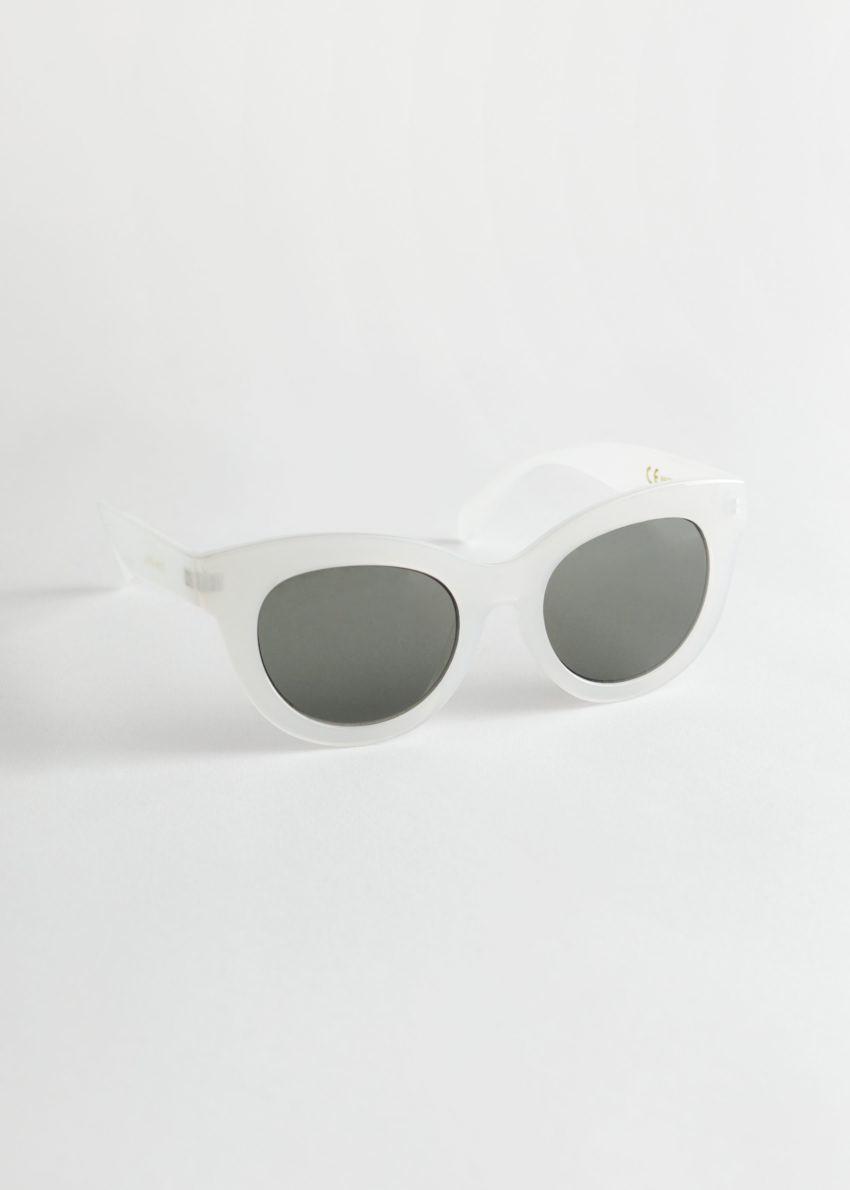 앤아더스토리즈 오버사이즈 라운드 선글라스의 화이트컬러 Product입니다.