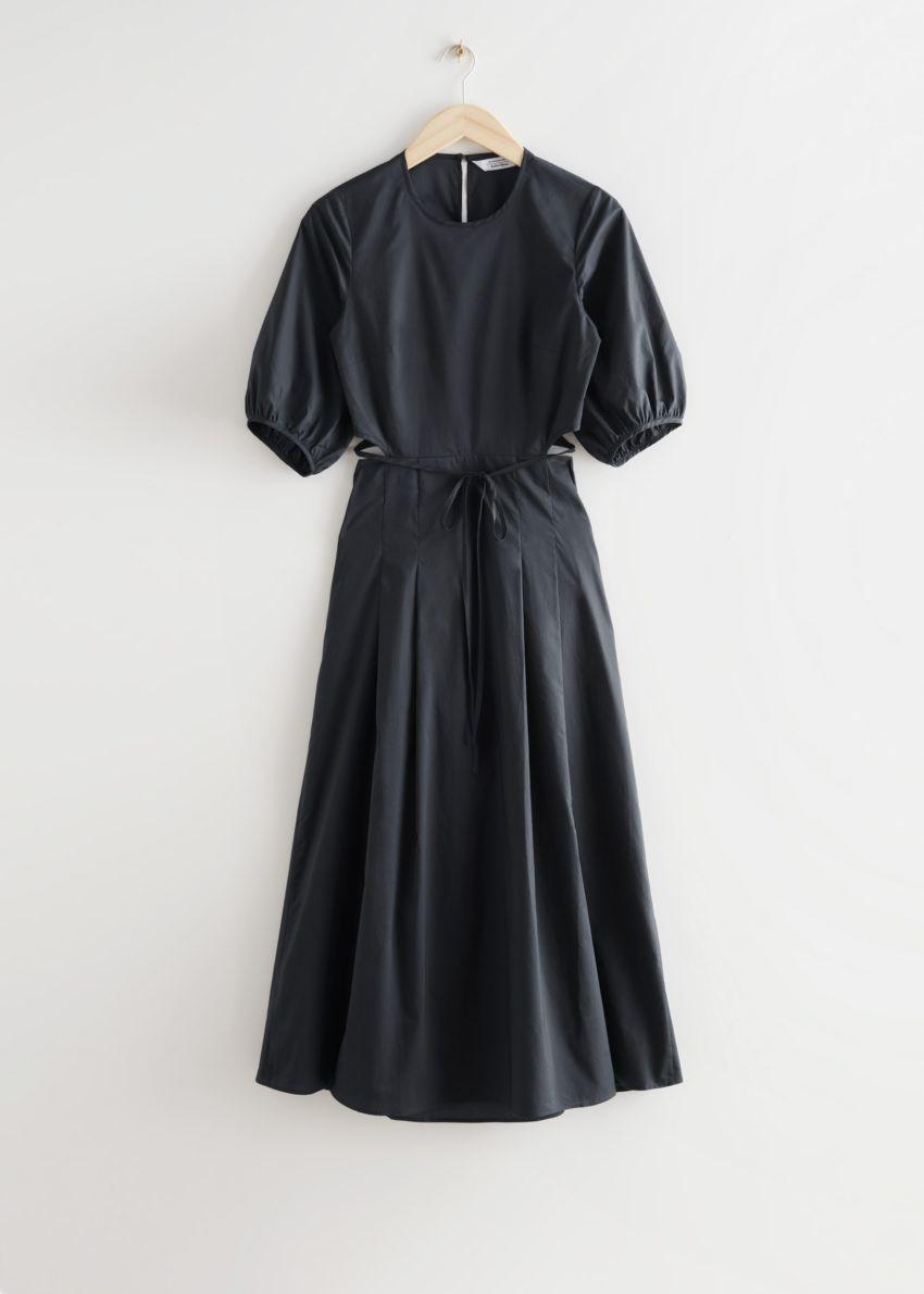 앤아더스토리즈 볼류미너스 컷 아웃 미디 드레스의 다크 그레이컬러 Product입니다.