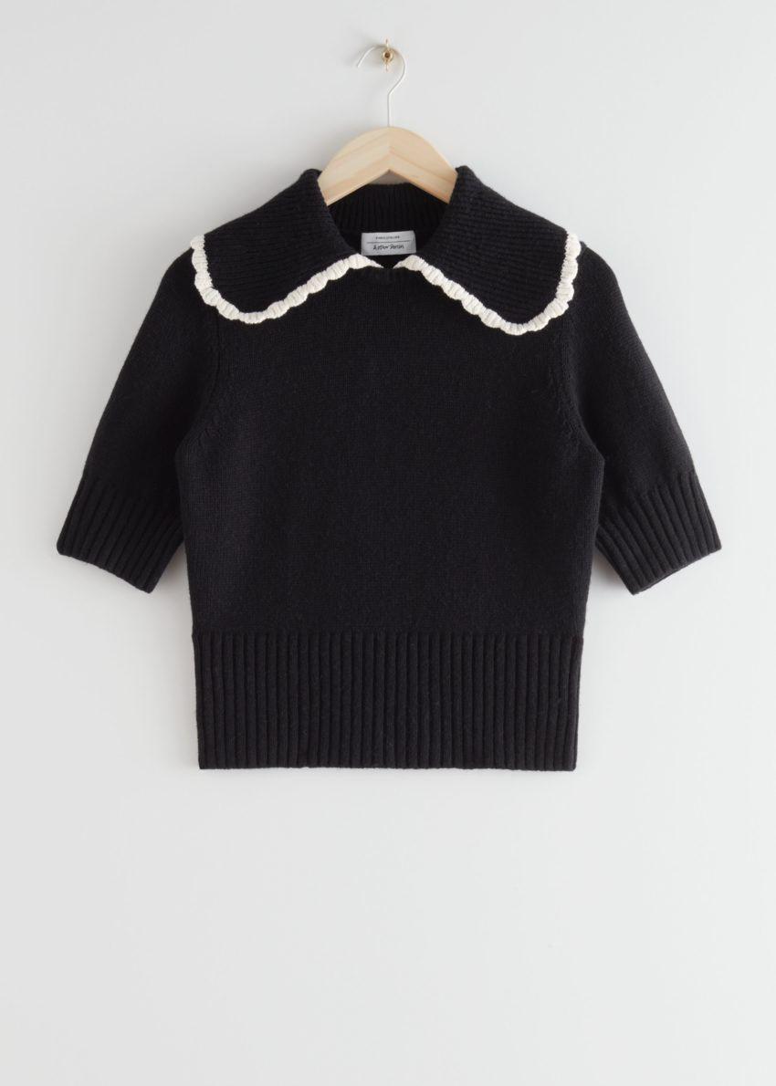 앤아더스토리즈 와이드 카라 울 니트 스웨터의 블랙컬러 Product입니다.
