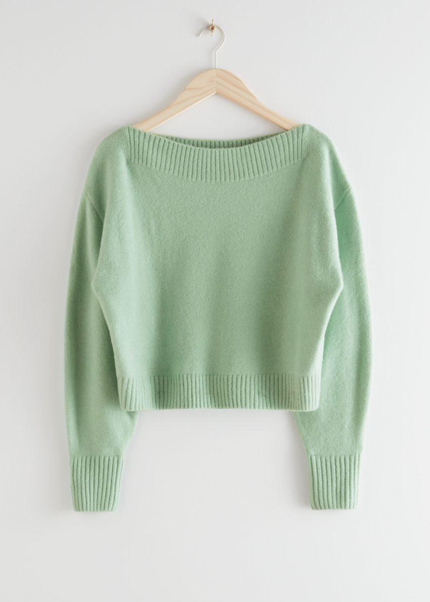 앤아더스토리즈 보트넥 니트 스웨터의 민트 그린컬러 Product입니다.
