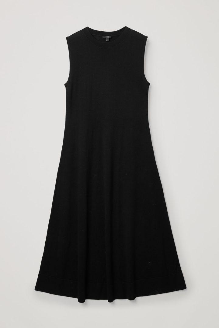 COS 니티드 A라인 메리노 울 드레스의 블랙컬러 Product입니다.